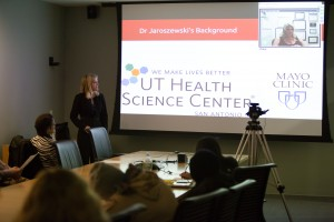 Fox School student Rebecca Uhl speaks with Dr. Dawn E. Jaroszewski, of the Mayo Clinic, via web conferencing during a presentation for Temple University medical students.