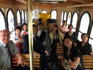 Renmin students on trolley tour